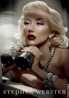 Christina Aguilera (seen by @Kasiwgi )