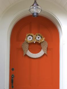 This DIY owl wreath is the perfect fall accessory