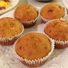 Banana cupcakes with creme cheese frosting