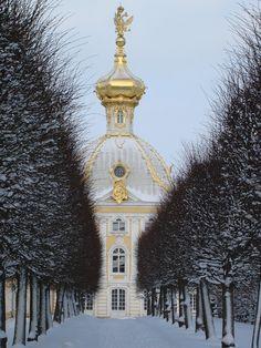 Peterhof Palace, St. Petersburg, #Russia.