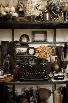 ~ decor, antique furniture, vignett, treasur, vintage typewriters, museum, cabinet of curiosities, antiques, old stuff