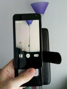 Avance:  Funda de tipo libro para móvil y... universal. Disponible en breve y en dos tamaños. Una ingeniosa idea.