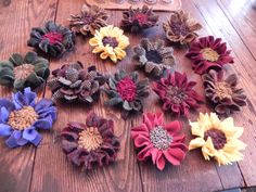 Hand hooked wool Flower Pins