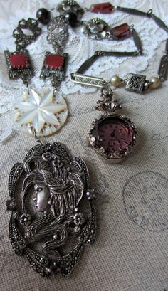 'old hollywood' necklace by The French Circus on Etsy