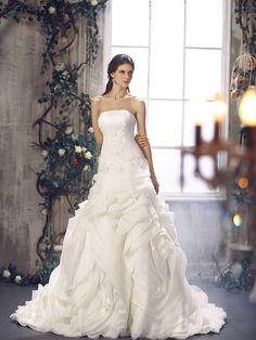 @vogue 2012 A-line-Asymmetric Waist Strapless Organza Floor-Length Chapel-Train-#WeddingDress