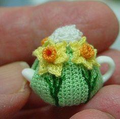 Dollhouse Daffodil Teacosy