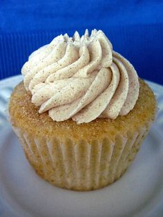 Snickerdoodle Cupcakes with Cinnamon Vanilla Buttercream