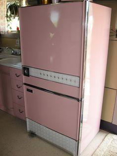 Mid-Century Modern •~• vintage pink refrigerator