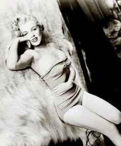 Marilyn Monroe photographed by John Florea, 1953.