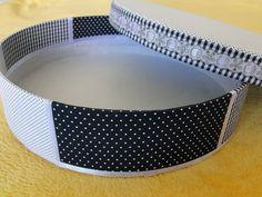 Caixa MDF forrada em tecido - by Irê