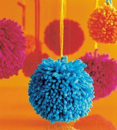 DIY Pom Pom Ornaments