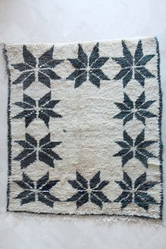 Moroccan rug on Etsy https://www.etsy.com/listing/191855692/queen-of-flowers-7x6-boucherouite-rug