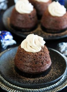 Easy Molten Chocolate Cupcakes