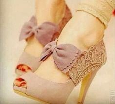 Hot bow high heels