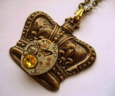 KoollooK®: Crown Necklace