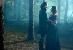 Tom Mison and Katia Winter in Sleepy Hollow, 2013