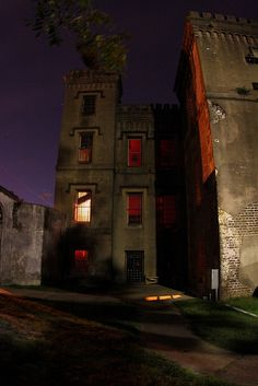 Haunted Old Charleston city jail. | Most Beautiful Pages