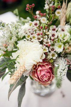 Cream and Pink Reception Arrangement #blush #wedding #flowers #centerpiece