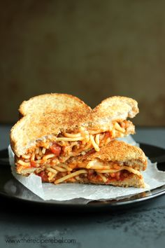 Spaghetti & Garlic Toast Grilled Cheese garlic toast, toast grill, grilled cheeses, grill chees