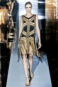 Gucci: Spring 2012: Trend: 20's-inspired metallics