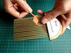 Guide to use quilling comb