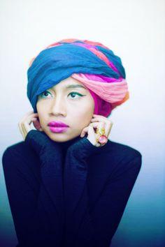 turban/lips