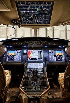 DASSAULT FALCON 7X -cockpit-
