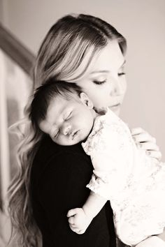 Mommy & Baby Picture...<3 so sweet. i love my babies:)