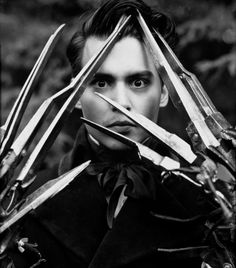 Johnny Depp aux mains d'argent par Herb Ritts   Edward Scissorhands (1990)