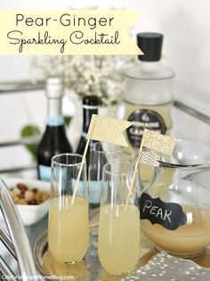 PEAR-GINGER SPARKLING COCKTAIL #cocktails #prosecco #girlsnightin