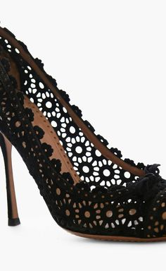 alaïa black, black lace, fashion, cloth, heel, closet, blog, shoe, tan pump
