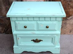 Shabby Chic DIY man i really need to try this!!! @Brittanie Hanna-Anderson Donnelly
