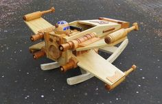X-Wing fighter rocke