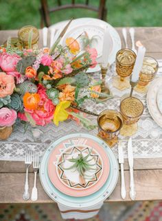 pretty florals + amber glassware + southwest inspired place setting + air plants at each setting   Photography by brycecoveyphotography.com Coordination, Design + Paper Design by bashplease.com/ Floral Design by primarypetals.squarespace.com/