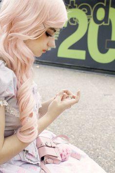 peach colored hair
