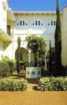 Spanish courtyard #CourtYard #Landscape #Outdoor ༺༺  ❤ ℭƘ ༻༻