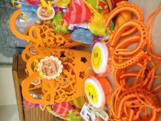 Goodies for gift baskets for orange party