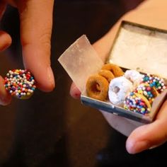 Aaaaahhhh!!! OMFG. Elf donuts. Made from Cheerios.