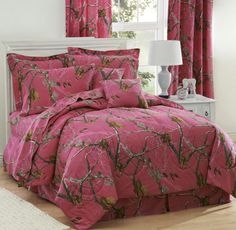 Girls Realtree® AP Fuchsia Camo Bedding Comforter Set & Sheets new for Spring 2014! #Realtree #Camo #Camouflage #DelectablyYours