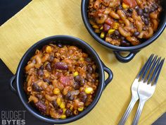 A fast and hearty cheesy beef chili, stretched with beans and pasta.  SNAP Challenge: One Pot Chili Pasta - Budget Bytes