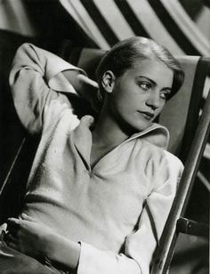 not only is Lee Miller beautiful- but I want to make everything I see her wearing!