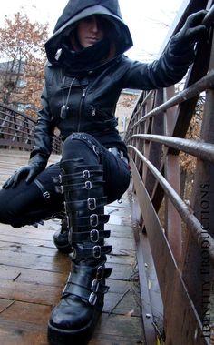 street fashion, goth girls, costum, boot, cowl, dark fashion, hood, post apocalyptic, black girls