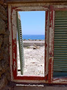 doors, beaches, red, frames, green