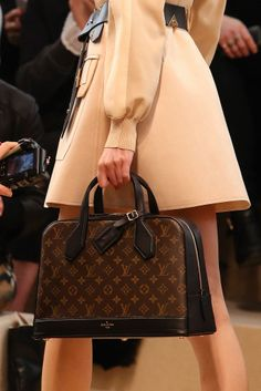 louisvuitton, paris fashion, handbag, fashion weeks, purs, accessori, loui vuitton, louis vuitton fall 2014, 2014 readytowear