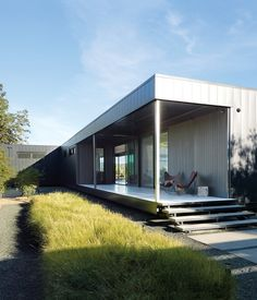 prefab home - would be amazingly affordable & looks good!