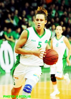 "JACKI GEMELOS: Pro Basketball player for Umbertide in Italy! She formerly played for Panathinaikos in Greece the 2013/2014 season. Jacki was drafted in 2012  by the Minnesota Lynx WNBA. She also played for Team USA & is a USC alumni. She come back strong after suffering five knee injuries in her high school and college career. ""I choose bits to help enhance my performance on and off the court."" #poweredbybits"