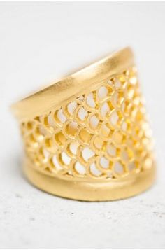 22k Single Filagree Ring