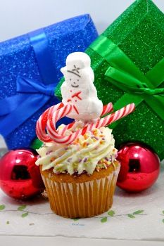 Skiing PEEPS® Snowman Cupcake Toppers - Easy & edible Christmas craft
