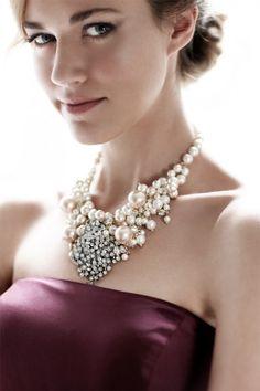 pearl, fashion, statement necklaces, accessori, bridesmaid, wedding blog, ann taylor, winter weddings, taylors