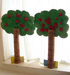 Apple tree craft using paper towel roll and tissue paper
